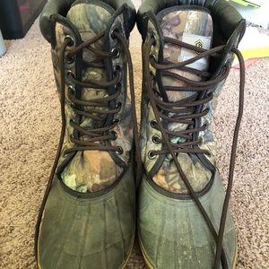 Camo muck boots